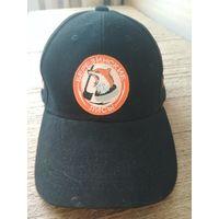 Бейсболка с логотипом хоккейного клуба