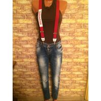 Ассорти: джинсы и брюки на стройняшку 42-44 размера.