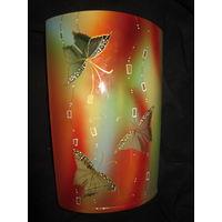 Ваза . Бабочки . Толстостенное стекло. 25.5 см.