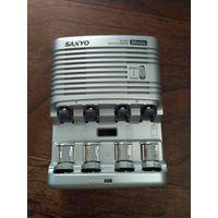 Зарядное SANYO NC-MQS01 для AA и AAA
