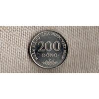 Вьетнам 200 донг 2003