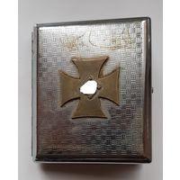 Портсигар с бронзовой накладкой с рубля.