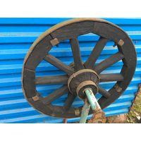 Оригинальное советское  колесо от передней оси конской повозки-заднее немного большего размера.