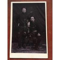 Фото, кабинет-портрет, угрюмые мужчины, 1906 год