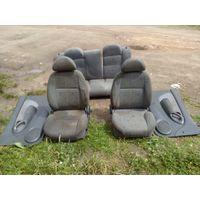 Сиденья и обшивка дверей Hyundai Accent