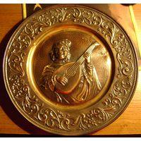 Тарелка декоративная.Металл(сталь) Литье.