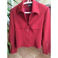 Красный костюм женский двойка