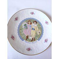 Коллекционная тарелка Роял Долтон 1976г