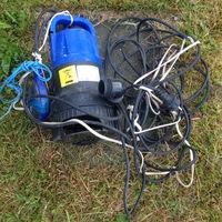 Насос (помпа) для откачки воды с поплавком. Полностью в рабочем состоянии