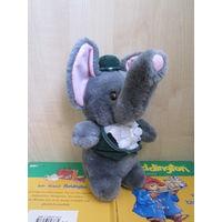 Нарядный слоник в бархатной жилетке и шляпке