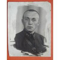 Фото офицера. 1940 г. 8х10ю5 см.