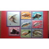 Марки блок Камбоджа рыбки