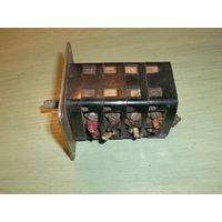 Пакетный переключатель на 4 секции