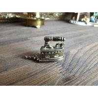 Коллекционная миниатюра,Утюг,утюжок! Латунь! England