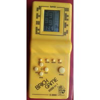 Тетрис. Игра электронная. Жёлтая. Рабочая.