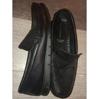Кожаные туфли в состоянии новых, одевал 2 раза