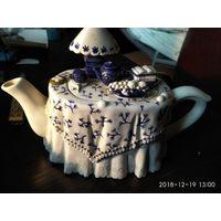"""Фарфоровый заварочный чайник""""Стол для Чаепития""""."""