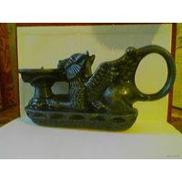 Подсвечник сверхъестественное существо грифон, символизирующее силу и бдительность