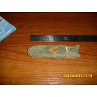 Старинная деревянная защёлка от дверей с резьбой
