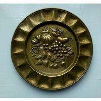 Тарелка настенная сувенирная. Бронза! Рубеж 19-20 века