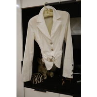 Пиджак белый Италия размер XS 42