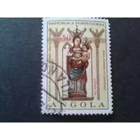 Ангола, колония Португалии 1968 статуя в кирхе