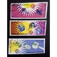 Того 1964 г. Космос. 3 марки #0047-K1