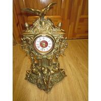 Часы бронзовые каминные в рабочем состоянии. СССР.