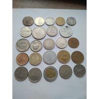 173 разные монеты. Монеты разных стран.