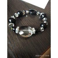 Женский браслет из натуральных камней.