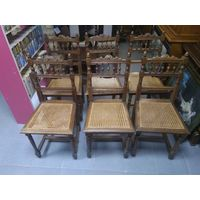 Комплект стульев резных