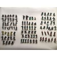 Набор солдатиков, техники и миниатюрного оружия