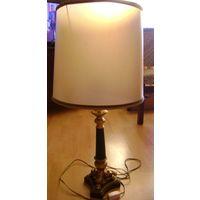Лампа настольная.большая.Подставка-металл,л итье.