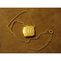 """Медальон-локет позолоченный """" SOS"""" 2х2 см ,42 см."""