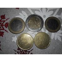 Лот ЕВРО.  БЕЗ МЦ! См. фото  Монеты: 2 евро, 1 евро - 2шт. и 2шт. 20-центовиков.