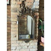 Старинное зеркало с фаской и огранкой