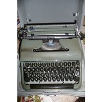 """Печатная машинка с латинским шрифтом """"Olympia"""" (из Германии). Осталась 1 штука!!!"""
