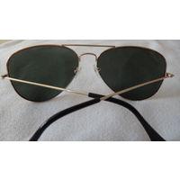 ОЧКИ солнцезащитные . Мужские  . Высококачественные очки и линзы . Новые стоили 50 р .