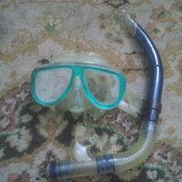 Маска с дыхательной трубкой для подводного плавания-ныряния