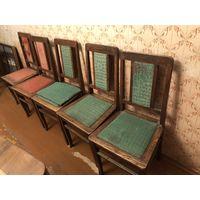 Пять деревянных стульев