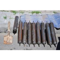 Тяжеленные вальцы или направляющие ролики ещё в заводском окрасе.Советское качество метала.Цена за всю партию.Для кулибиных.