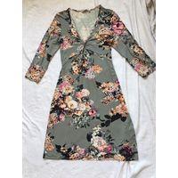 Платье 46-48 Вискоза Светло пепельное в нежные букетики цветов