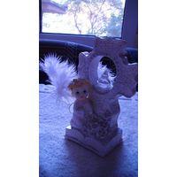 Статуэтка, крест и маленький ангел. распродажа