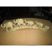 Скульптура слоны.