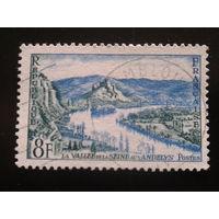 Франция 1954 река, замок