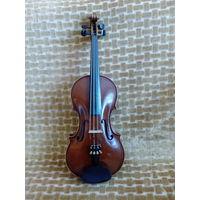 Скрипка 4/4, чехол, смычок, мостик. Полностью рабочая, прекрасный звук. 1939 год. Германия мануфактура