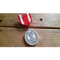 """Красивая """"Медаль Красного Креста"""". Швеция.  Распродажа коллекции!"""