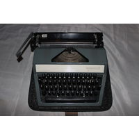 Печатная пишущая машинка Москва СССР