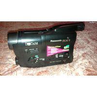 Видеокамера (panasonic) .с касетами и адаптером(есть документы,провода,полный комплект)