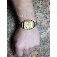 Часы Луч,позолота на браслете,редкие в таком состоянии.Старт с рубля.